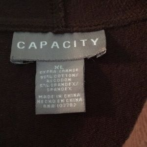 capacity Tops - Hoodie